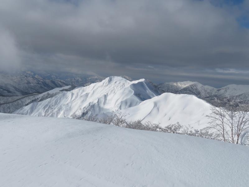 雪原が美しい 大日ケ岳 (1,708.9M)       登頂 編_d0170615_09193225.jpg
