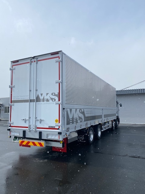 大型車両納車_d0153164_15484392.jpg