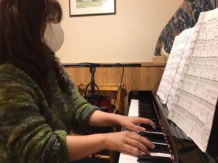 一転、よく晴れています。ゆうべ三好さんのピアノ演奏_e0130185_13350913.jpg