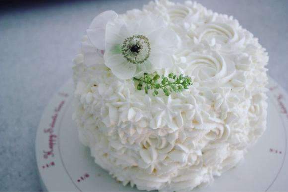 ホワイトのスマッシュケーキ_d0339705_14215280.jpg