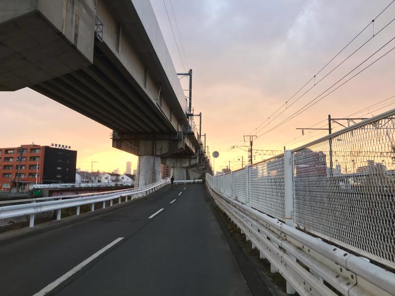 新幹線高架と夕焼け_a0030217_03193927.jpg