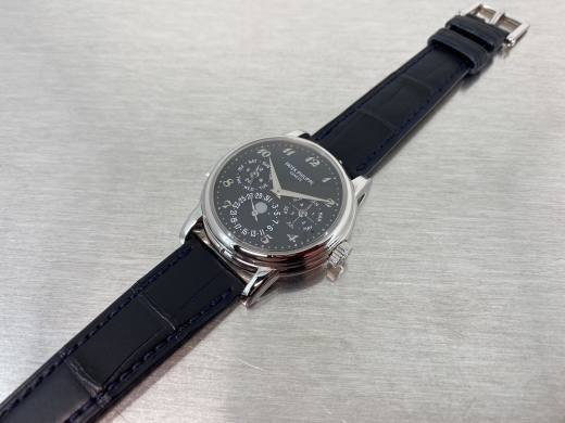now being overhauling the historical piece, ref.3974P with black dial_c0128818_00331621.jpeg