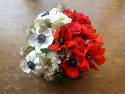 花修行~白と赤のアネモネのアレンジメント~_f0232060_12060632.jpg