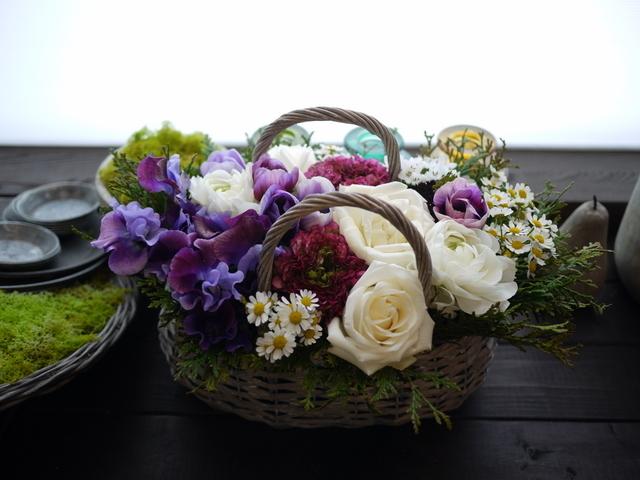 モモイ ヒトミさんのライブにアレンジメント。「青紫系のお花を使って」。2021/02/20。_b0171193_11474027.jpg
