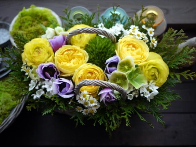 お母様のお誕生日にアレンジメント。「黄色~青系。あれば青系のアネモネを入れて」。洞爺湖町に発送。2021/02/21着。_b0171193_11532368.jpg