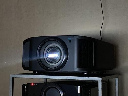4K、8k/e-shiftプロジェクター&最新レーザーケーブルを視聴できます☆_c0113001_21534299.jpg