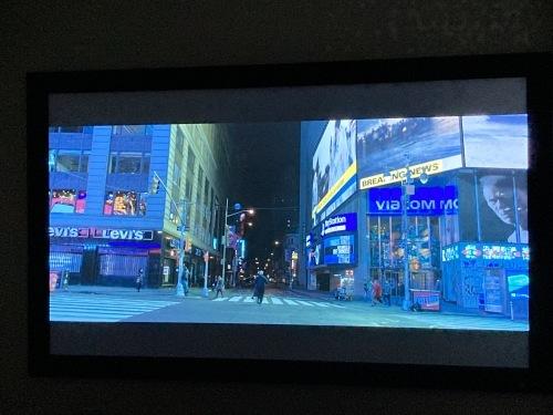 4K、8k/e-shiftプロジェクター&最新レーザーケーブルを視聴できます☆_c0113001_21563133.jpg