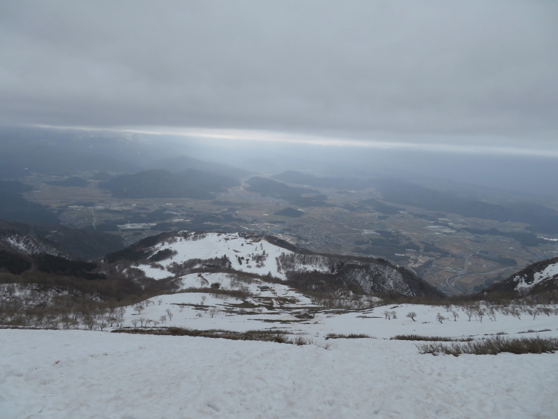 雪の 伊吹山 (1,377.3M)    下山 編_d0170615_19093441.jpg