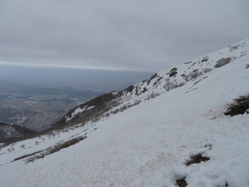 雪の 伊吹山 (1,377.3M)    下山 編_d0170615_19094142.jpg