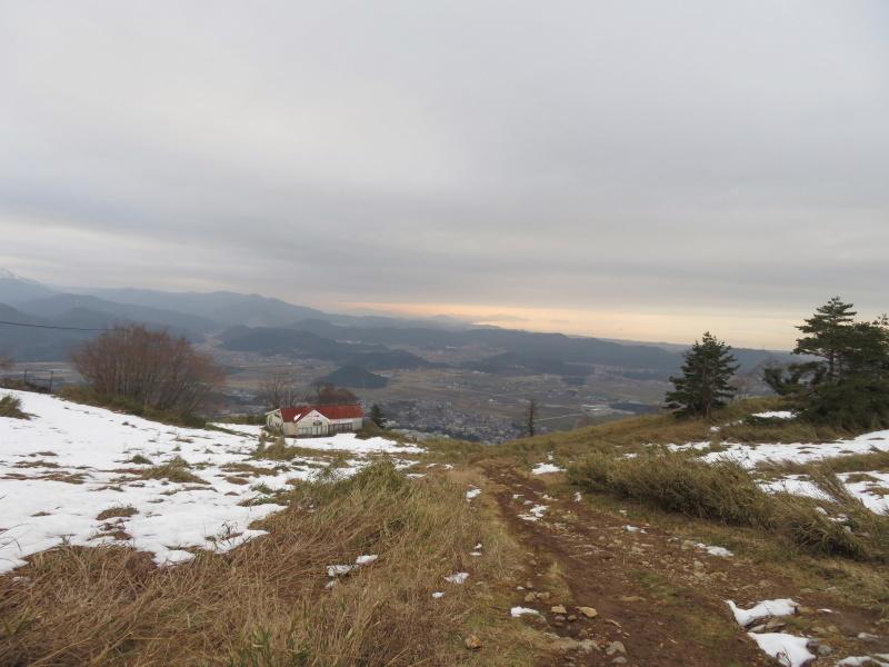 雪の 伊吹山 (1,377.3M)    下山 編_d0170615_19102636.jpg