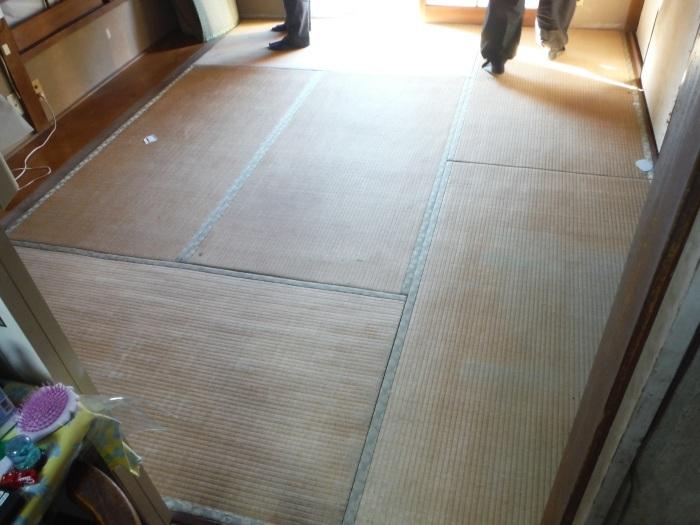 洋室と和室の床工事 ~ 床と畳が気になっています。_d0165368_05424824.jpg