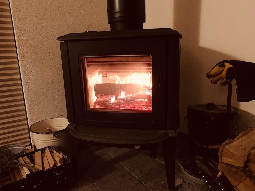 火をつける ストーブ_d0126473_00584392.jpg