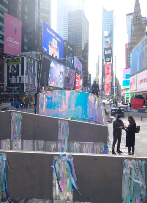 """Love in Times Sq. 恒例の愛のアート、2021年は""""Love Letters""""_b0007805_22015904.jpg"""
