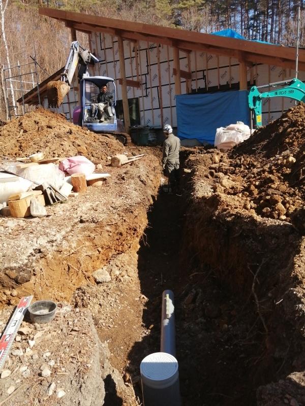 下水工事始まる! と 松ヤニハウス_d0180447_00161315.jpg