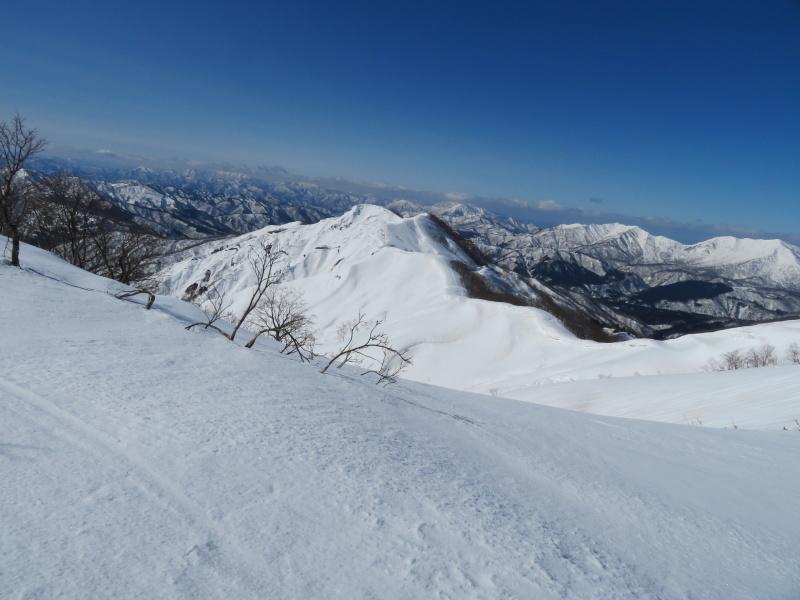 快晴の 大日ケ岳 (1,708M)     登頂 編_d0170615_21522823.jpg