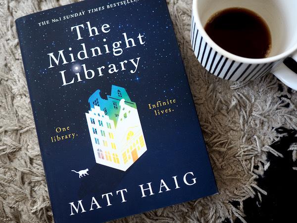 真夜中の図書館で探し求める幸せの秘訣 The Midnight Library (Matt Haig)_e0414617_21522323.jpeg