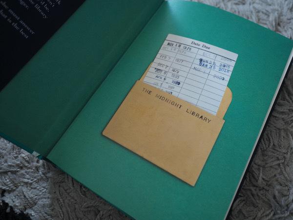 真夜中の図書館で探し求める幸せの秘訣 The Midnight Library (Matt Haig)_e0414617_21522755.jpeg