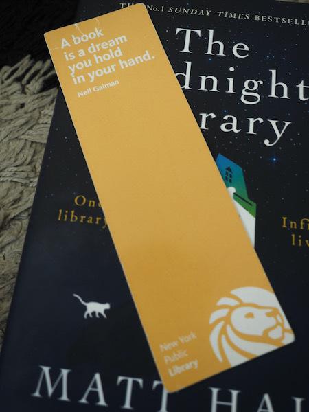 真夜中の図書館で探し求める幸せの秘訣 The Midnight Library (Matt Haig)_e0414617_21523254.jpeg