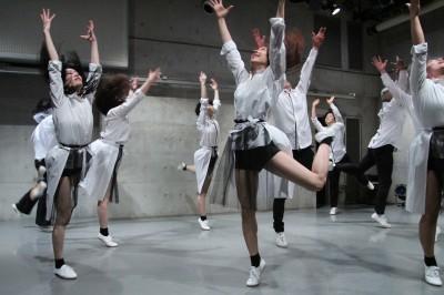 久々に観客ともども舞台を共有出来た「リンゴ企画」公演_d0178431_17272685.jpg