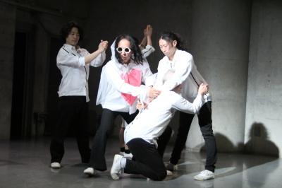 久々に観客ともども舞台を共有出来た「リンゴ企画」公演_d0178431_17300790.jpg