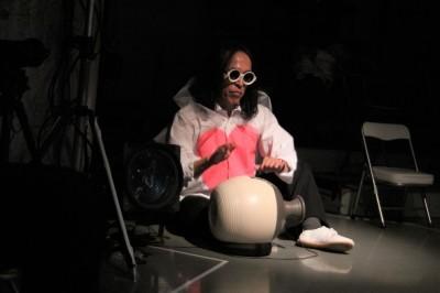 久々に観客ともども舞台を共有出来た「リンゴ企画」公演_d0178431_17405606.jpg