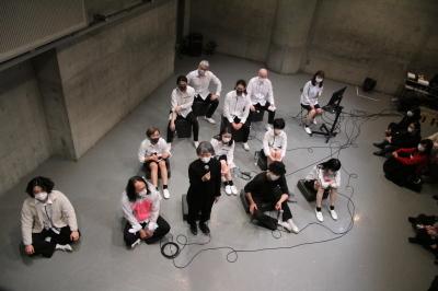 久々に観客ともども舞台を共有出来た「リンゴ企画」公演_d0178431_17493952.jpg