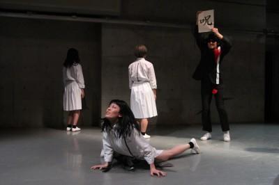 久々に観客ともども舞台を共有出来た「リンゴ企画」公演_d0178431_18032701.jpg