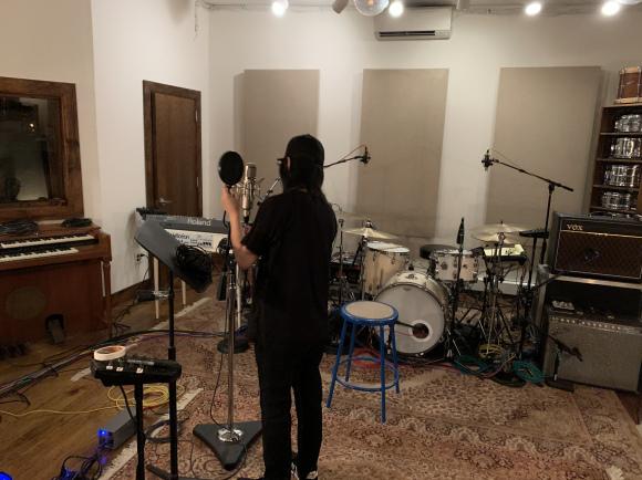 新しいアルバム「Here And Now」Album Update スタジオ再開!_a0150139_16152230.jpeg