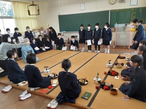 金生第2小学校のお茶クラブ_e0181051_17530424.jpg