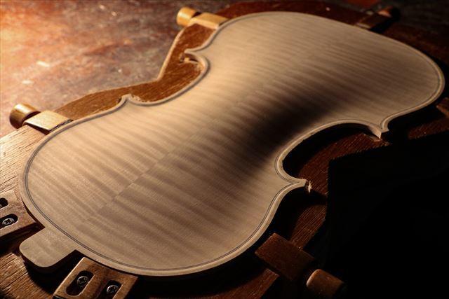 クレモナの近況と、次回作ヴァイオリン。_d0047461_07534282.jpg