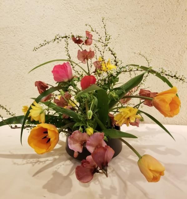 春の花のアレンジ_b0196913_15343303.jpg