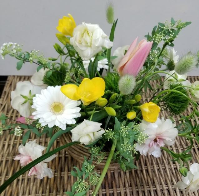 春の花のアレンジ_b0196913_15360755.jpg
