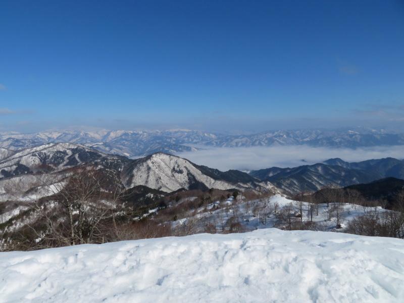 快晴の 猪臥山 (1,518.8M)    下山 編_d0170615_21544968.jpg