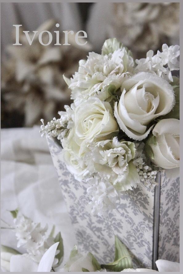 見本の白い布花...♪*゚_f0372557_09424231.jpeg