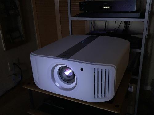 日曜日まで♩4K、8k/e-shiftプロジェクター&最新レーザーケーブルを視聴できます☆_c0113001_21441249.jpg