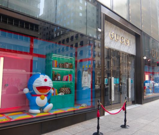 ニューヨークの五番街、GUCCI(グッチ)の旗艦店にドラえもん⁉_b0007805_05463434.jpg