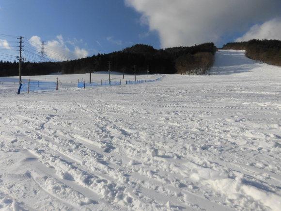令和3年2月 26日(金)天気/晴 気温/-2℃ 風/無 積雪/70㎝ 滑走可能_e0306207_07404376.jpg