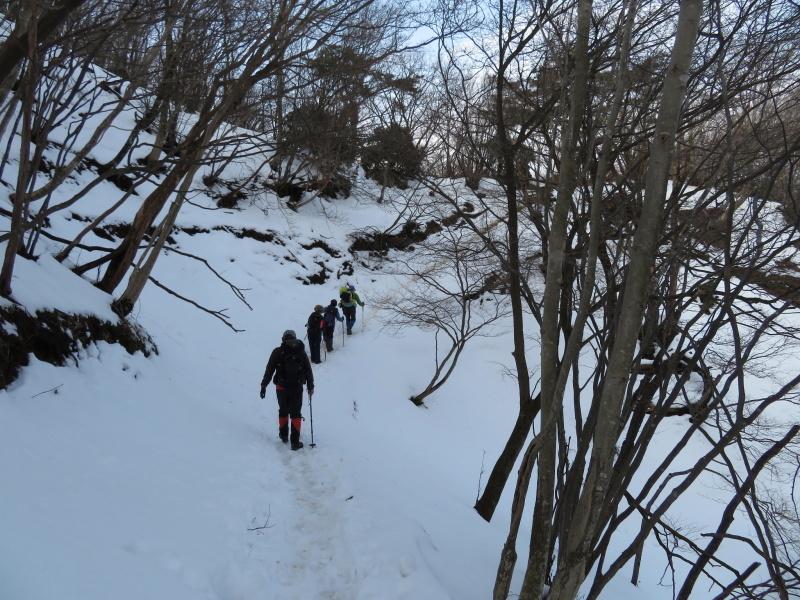 登山者が多かった 養老山 (859M)     登頂・下山 編_d0170615_22421654.jpg