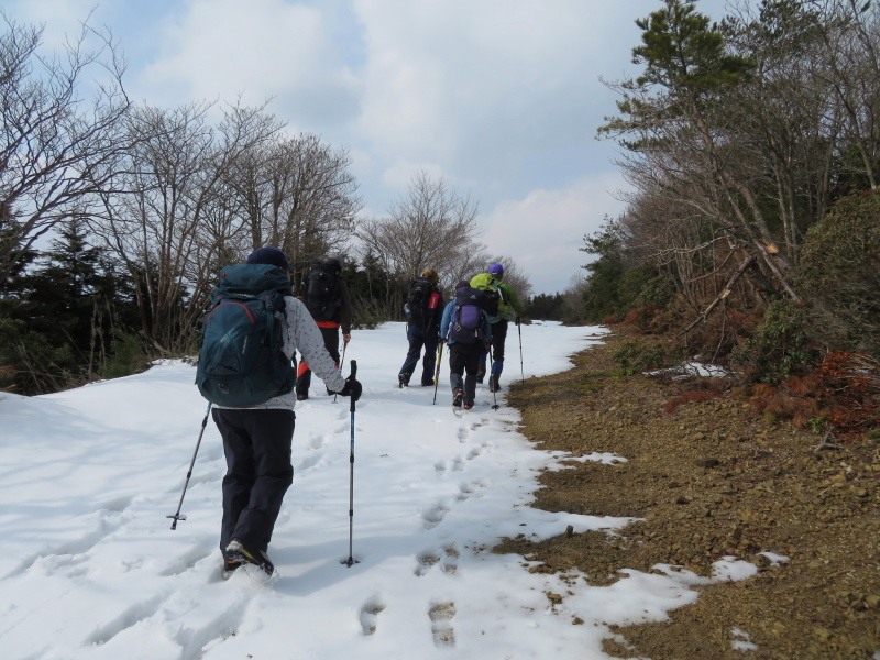 登山者が多かった 養老山 (859M)     登頂・下山 編_d0170615_22422680.jpg