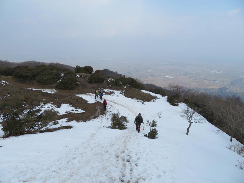 登山者が多かった 養老山 (859M)     登頂・下山 編_d0170615_22425852.jpg