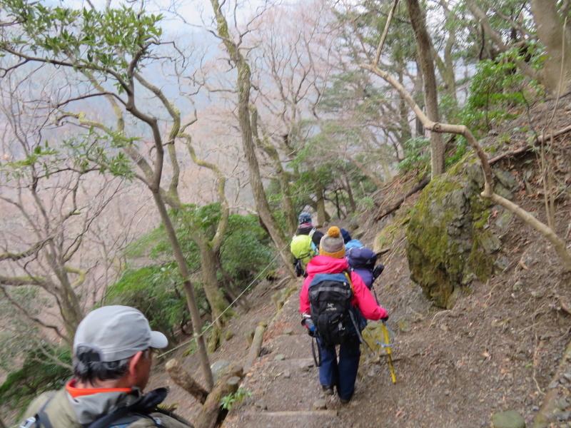 登山者が多かった 養老山 (859M)     登頂・下山 編_d0170615_22431790.jpg