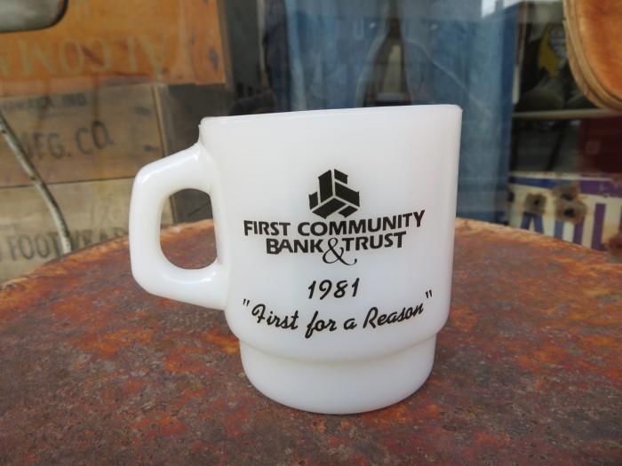 Fire King Advertising Mug _e0187362_12341721.jpg
