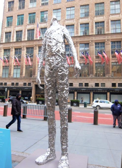 """ロックフェラー・センターに『見上げる』アート、""""Looking Up"""" by Tom Friedman_b0007805_23125927.jpg"""