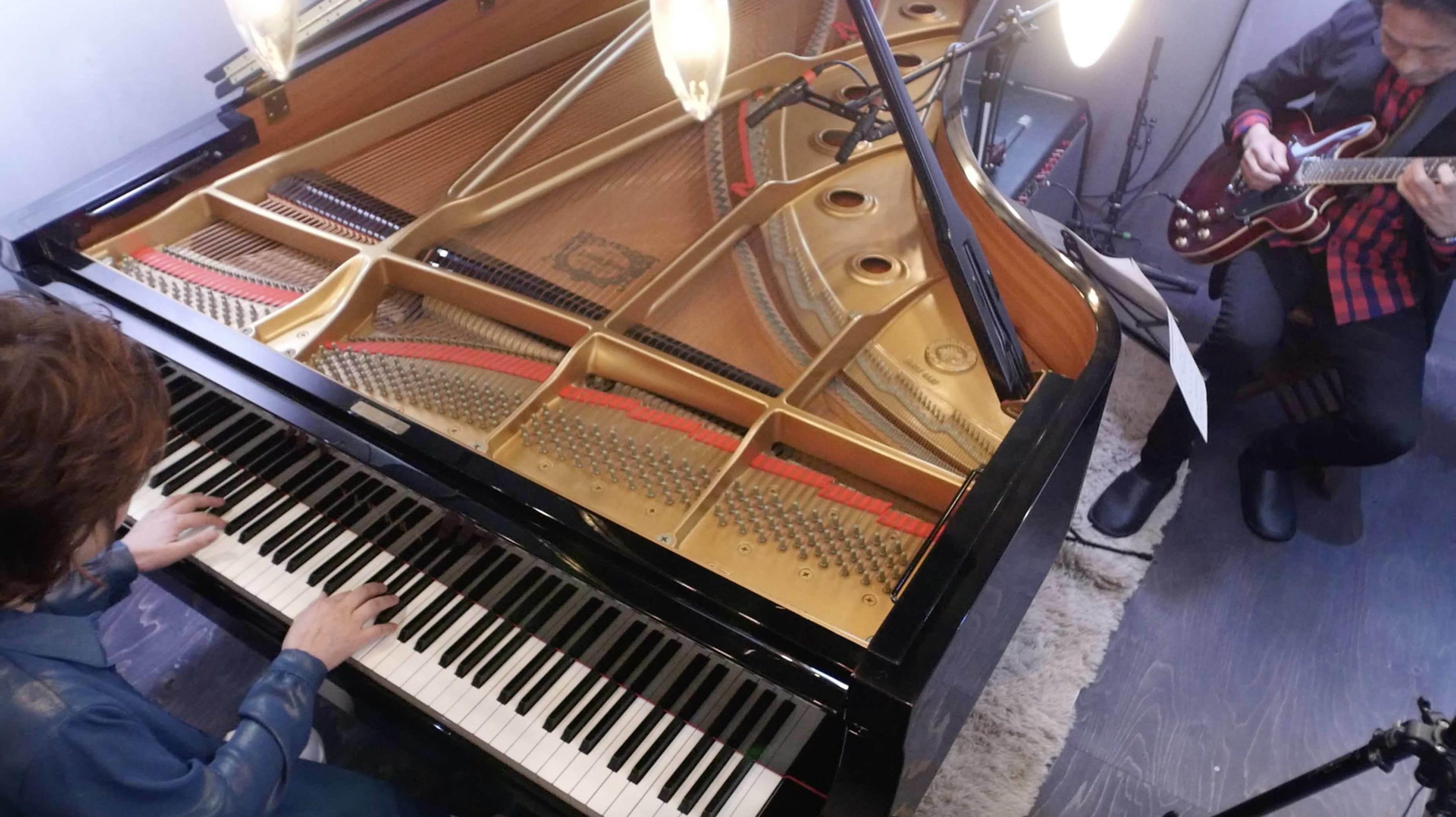 ピアノ・ラウンジ 2021_a0091430_09144400.jpg