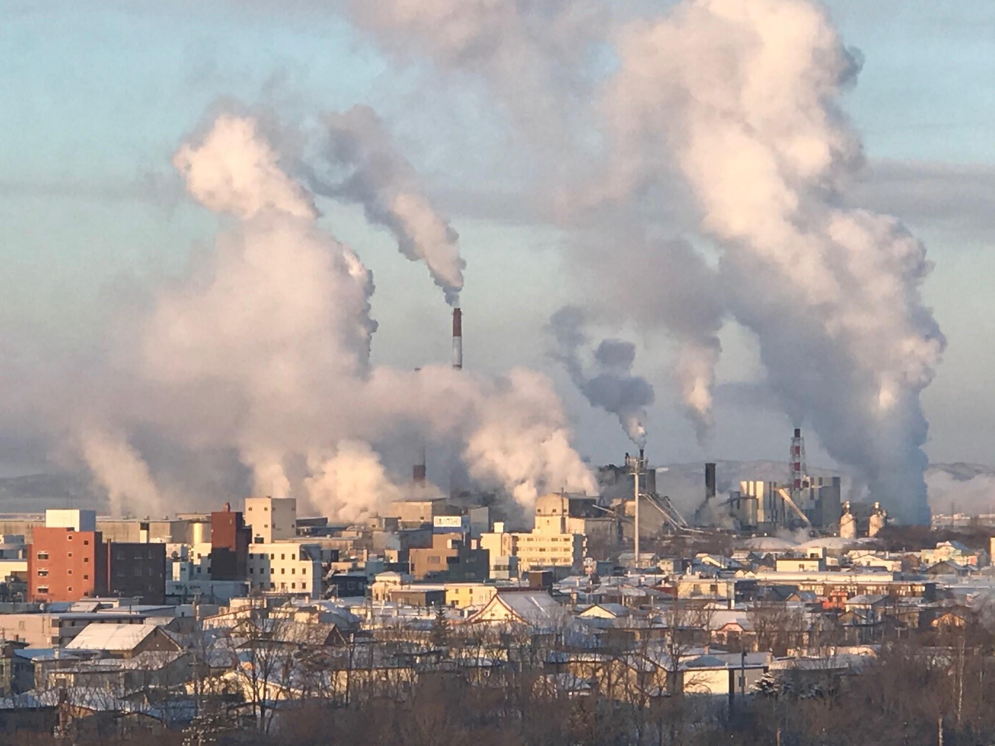 残った煙と消えゆく煙  3月1日_f0113639_12575279.jpg
