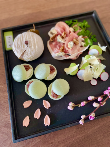 雛祭りのチーズプラッターとチーズ教室再開のお知らせ - 月とシャンパーニュ in Tokyo