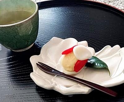 春の訪れをつげるお水取りの和菓子♪_b0194861_23582291.jpg
