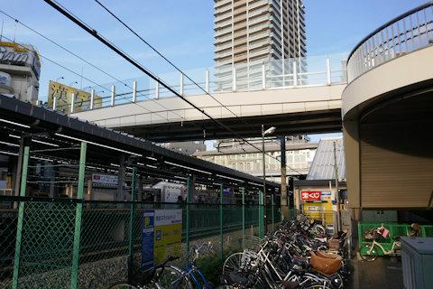 大泉学園駅南ペデストリアンデッキ_a0121671_08482870.jpg