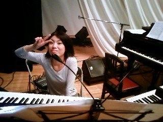 Jazzlive Comin 広島 本日26日のジャズライブ_b0115606_10241571.jpeg