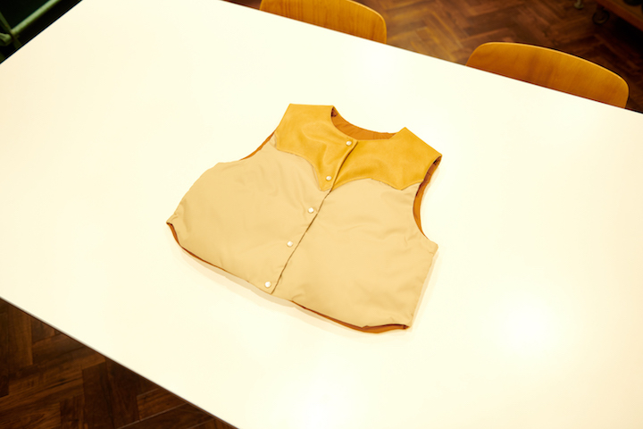 ""\""""Rocky Mountain Featherbed × TheThreeRobbers PROCESS DOWN VEST WOMAN 2021 - ORDER""""ってこんなこと。_c0140560_15292432.jpg""720|480|?|en|2|1a968f375b14a64fac80a9117823b8a2|False|UNLIKELY|0.30583101511001587